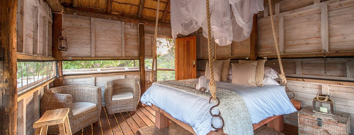 tree-house Pondoro Safari Game Lodge
